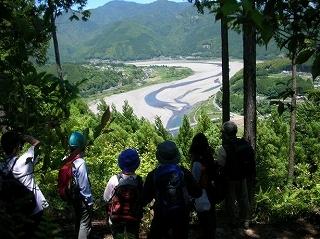 14熊野川を望む.jpg